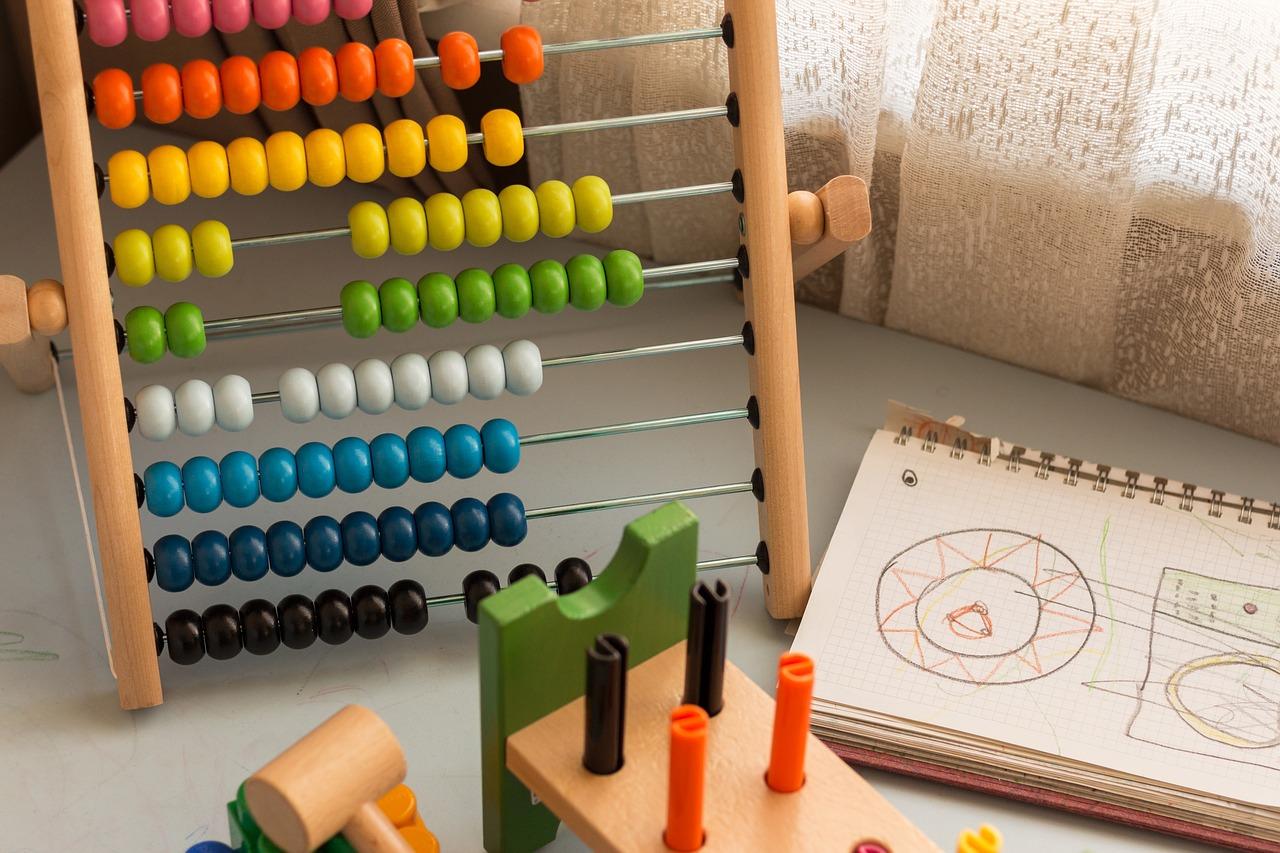Zabawki z drewna - główne zalety