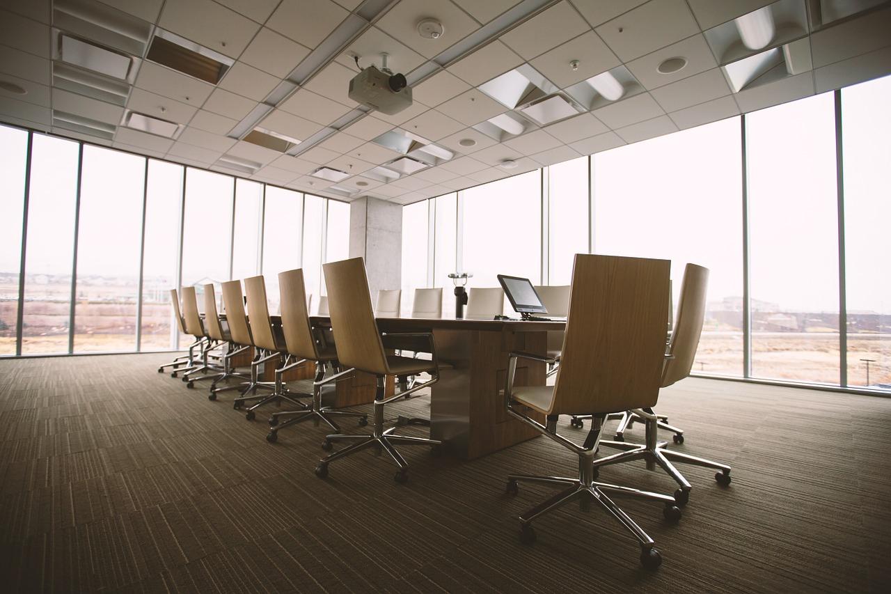 Krzesło biurowe – komfort pracy w różnych warunkach